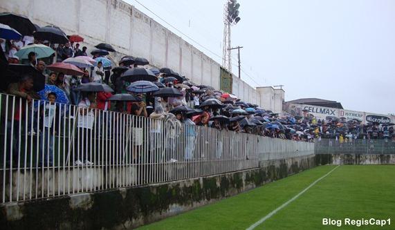 Estádio Newton Ribeiro - Final Copa Aranãs  2011 - Foto Reginaldo Rodrigues - blog RegisCap1