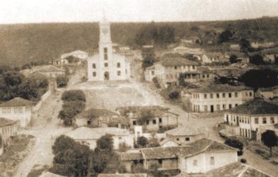 Capelinha MG - Panorâmica Igreja Nova