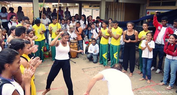 Apresentação na Escola Geralda Otoni Barbosa - Foto Reginaldo Rodrigues