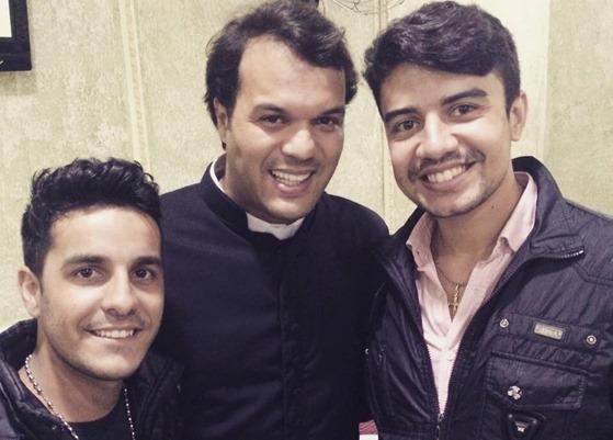 Tiago, Padre  Alessandro Campos e Lincon - Foto Arquivo Facebook