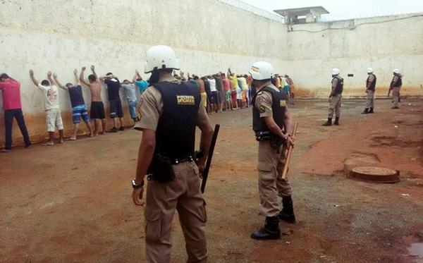 Rebelião cadeia de Capelinha MG