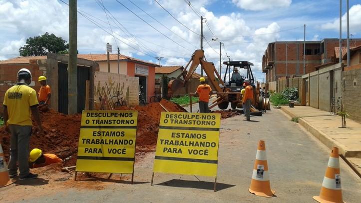 Obras da rede de esgoto do bairro Jardim Aeroporto - Foto Luciano Rodrigues
